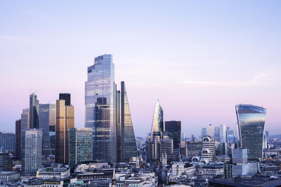 https___specials-images.forbesimg.com_imageserve_602ff58bf80cf63200a2991b_Elevated-view-of-London-city-skyline_960x0